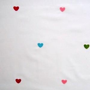 Κουρτίνες με το μέτρο για παιδικά δωμάτια, για κορίτσια , για αγόρια , για bebe δωμάτια Carol col.1 Φ3.00 εκρού φόντο με κεντημένες πολύχρωμες καρδούλες βαμβακερή ,ημι-διάφανη